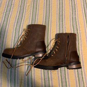 ***NWOB*** UGG Women's lace/zip boot